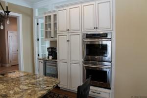 Kitchen Dbl ovens pic 5