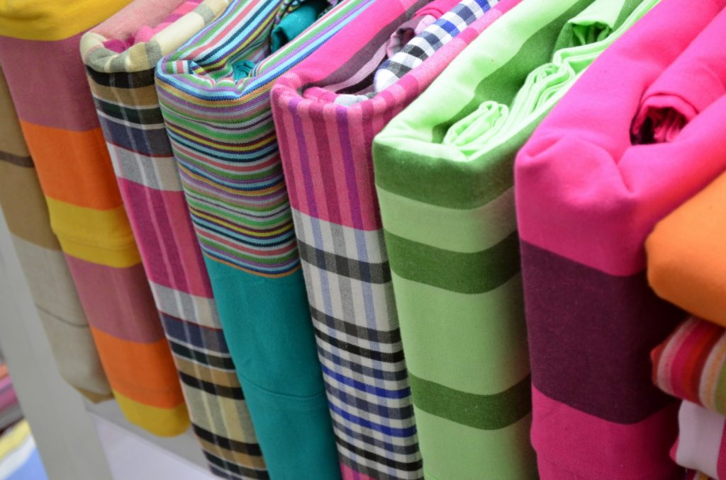 colorful-bed-sheets